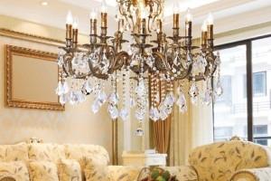 Хрустальные люстры: история самых красивых светильников в мире